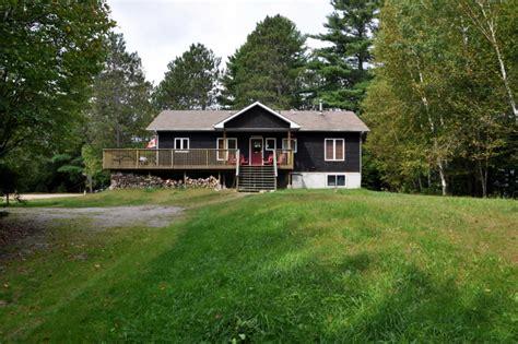 Cottage 622 For Rent On Grace Lake Near Haliburton In Cottages For Rent In Haliburton