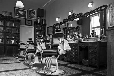 barber s mojo barbershop hawaii captain and clark