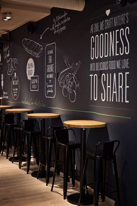 klein cafe interieur muurschildering krijtbord horeca in 2019 restaurant