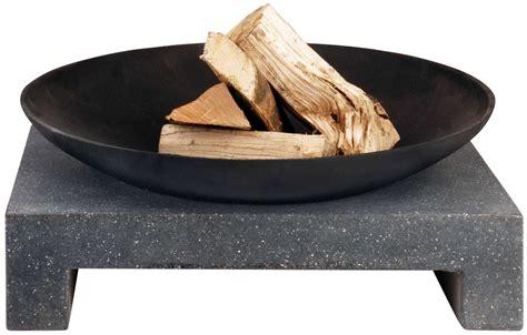 feuerstelle gusseisen feuerschale granito eckiger sockel 216 60 cm esschert ff135