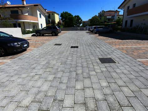 piastrelle esterno cemento pavimenti esterni piastrelle i masselli e il