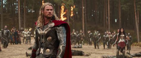 film marvel setelah thor ragnarok jeff goldblum and other beloved actors join cast of thor