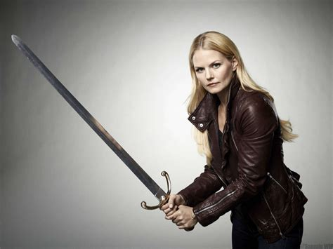 emma swan with sword fash circle