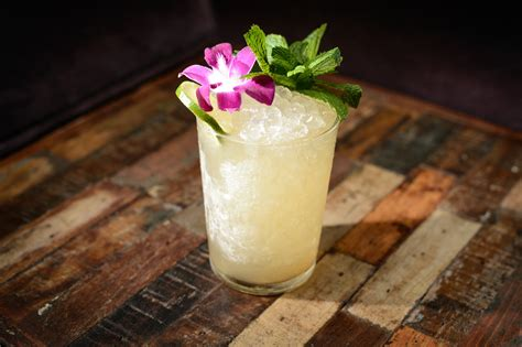 top bar drinks best cocktails in nyc from classic cocktails to new versions