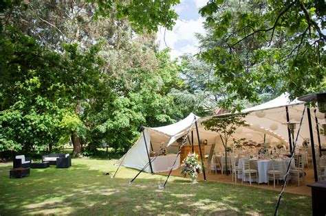 outdoor wedding packages uk a back garden wedding in surrey with alan gown