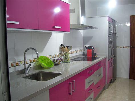 cocina fucsia cocina fucsia y blanca decorar tu casa es facilisimo