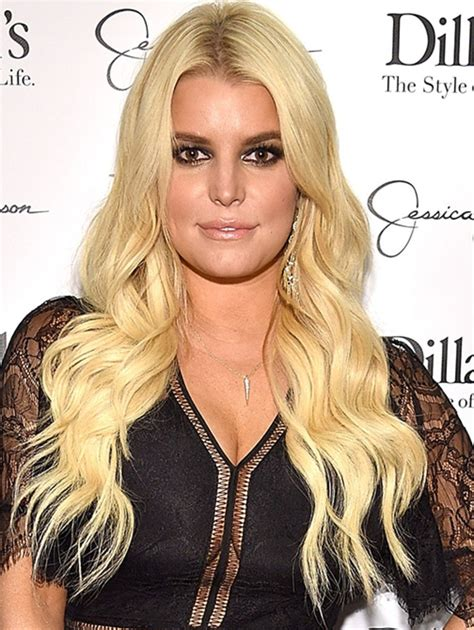 Willie Nelson Backyard Jessica Simpson Gets Mommy Shamed For Dyeing Daughter S