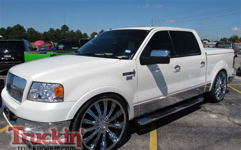 lincoln lt on 24 rims 301 moved permanently