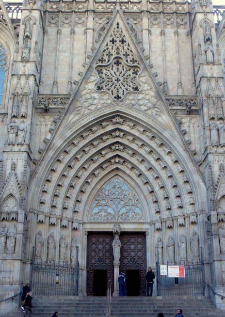 gothic revival characteristics 25 best ideas about gothic architecture characteristics