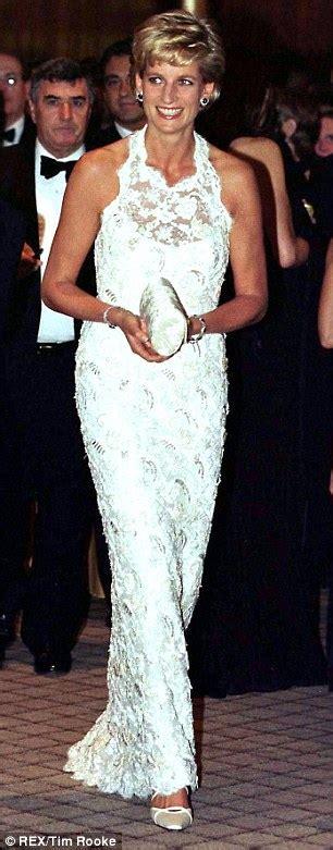2 Warna Dc Dress Dian 65 000 Bahan Jersey Ld 90 Pj 85 gaun putih buat watts seperti putri diana 59482