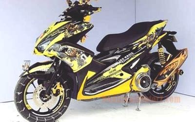 Lu Depan Aerox 155 Original gambar modifikasi aerox 155 kuning bumble bee modifikasimotorz