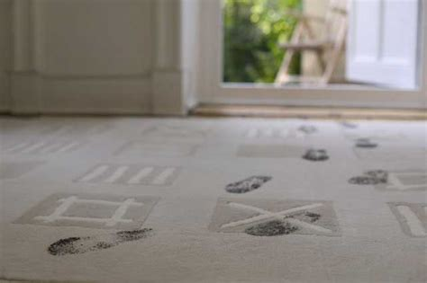 how to clean a white rug at home