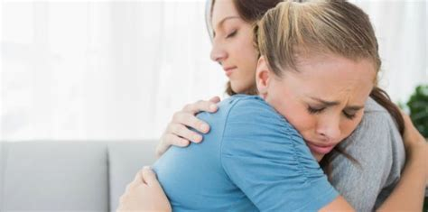 comforting a friend how to bless a grieving friend by laura rennie relationships