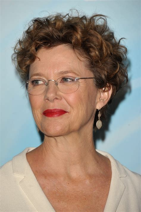 women over 60 face ritratti in celluloide attrice annette bening foto 1