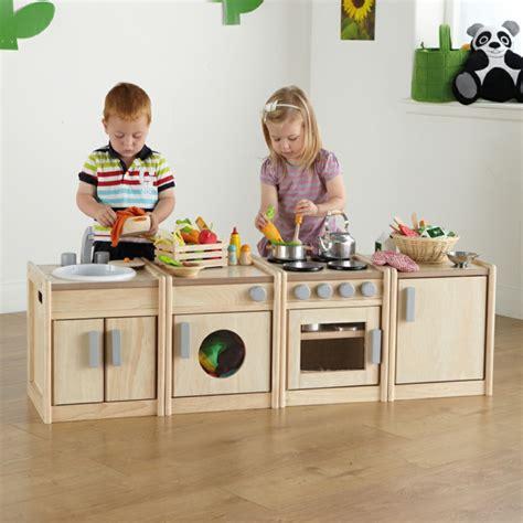cuisine enfant garcon cuisine bois jouet gar 231 on wraste com