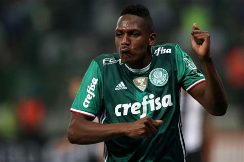 yerry mina barcelona target yerry mina scores a goal in return from