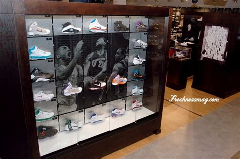 house of hoops shoes house of hoops los angeles beverly center mall sneakernews com