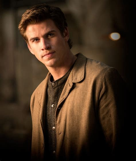 Gale Hawthorne - The Hunger Games Wiki Liam Hemsworth The Hunger Games Character