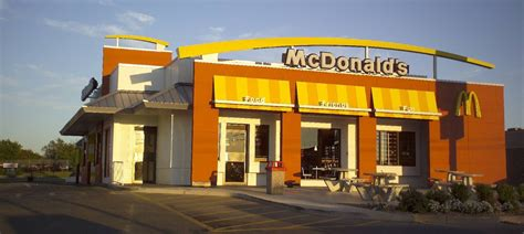 What Time Does Mcdonalds Dining Room Open by Golden Arches Start To Dim As Mcdonalds Shuts Us Stores