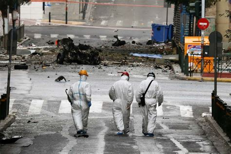 Bombed But Still A Day In The Sun by Est100 一些攝影 Some Photos Car Bomb Explosion In Central
