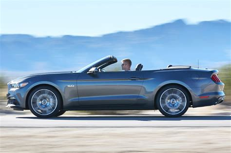 2015 Ford Mustang Gt Convertible by 2015 Ford Mustang Gt Convertible Side Motion View Photo 5