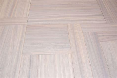 incollare piastrelle su pavimento esistente posa su pavimento esistente come posare un pavimento in