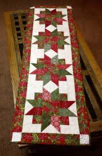 quilts christmas on pinterest christmas table runners