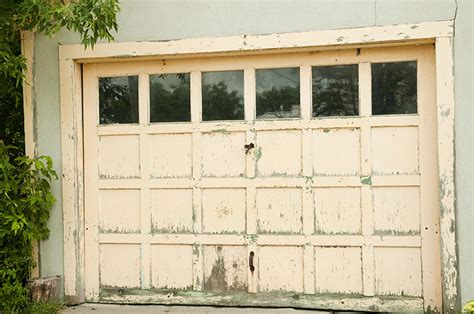 Garage Door Issues by 5 Garage Door Problems And How You Can Solve Them Feldco