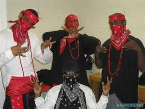 crips and bloods colors another picture of the bloods with other members all