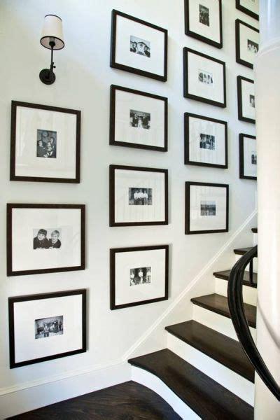 desain bingkai foto dinding 30 contoh desain dinding untuk galeri foto dan lukisan