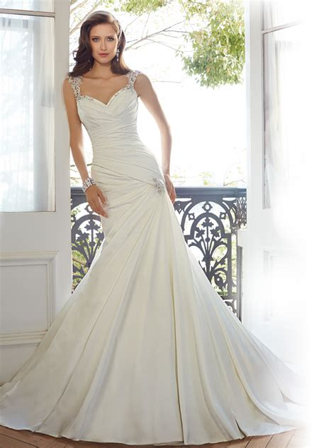 Myna Basic Dress fit and flare wedding dress with cap sleeves
