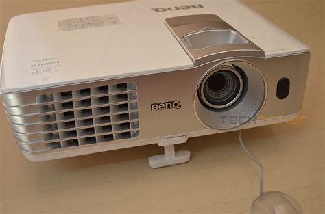 Proyektor Benq W1070 review benq w1070 projector tech ticker