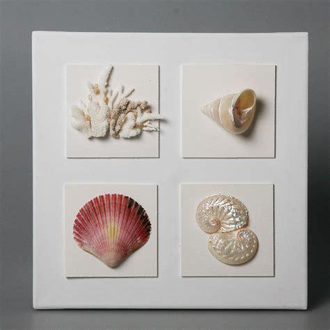 vasi con conchiglie quadro con conchiglie e coralli cristina vidolini