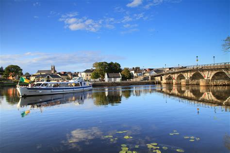 Carrick on Shannon ? Moon River
