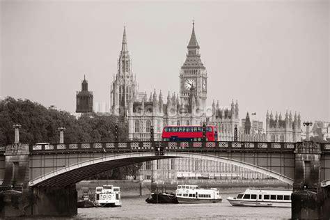 wallpaper for walls london london bus on lambeth bridge wall mural wallpaper