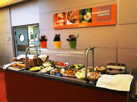 Southern Dining Rooms holiday inn express krakow breakfast picture of efekt