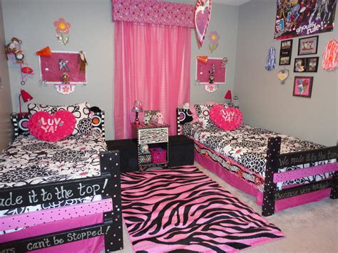 why wont my bench press increase high bedroom stuff 28 images monster high bedroom set the partizans 100 bedroom