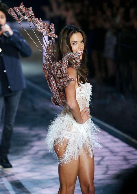 s runway secret alessandra ambrosio 2015 victorias secret fashion show