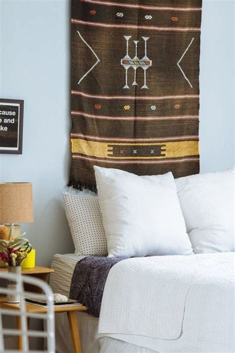 tapestry above bed diy bedroom d 233 cor and furniture ideas anyone can try