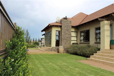 houses to buy in bloemfontein house for sale in woodland hills bloemfontein in bloemfontein clasf real estate