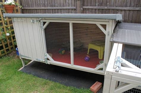 Handmade Rabbit Hutches - 1000 ideas about large rabbit hutches on