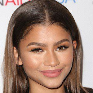 zendaya biography facts zendaya coleman bio family birthday famous birthdays