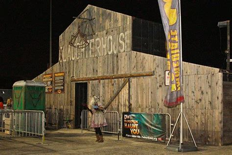 scariest haunted house in houston the 10 scariest haunted houses in texas to visit this halloween