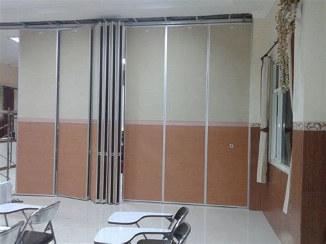 Multiplek Batam pintu lipat dan partisi ruangan pireki