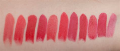 roter lippenstift matt rote lippenstifte ein vergleich mac clarins catrice
