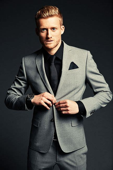 what color shirt with light grey suit light grey suit what color shirt go suits