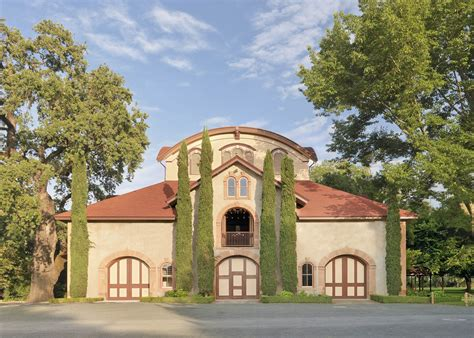 Carriage House Wines by Charles Krug S New Winemaker Brings In The Sauvignon Blanc