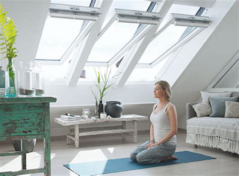 Lichtband Fenster Sichtschutz by Velux Centre Pivot Roof Windows Easy To Open Easy To Use