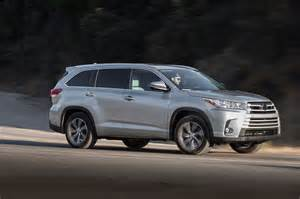 Toyota Highlander Vs 2017 Toyota Highlander Reviews And Rating Motor Trend