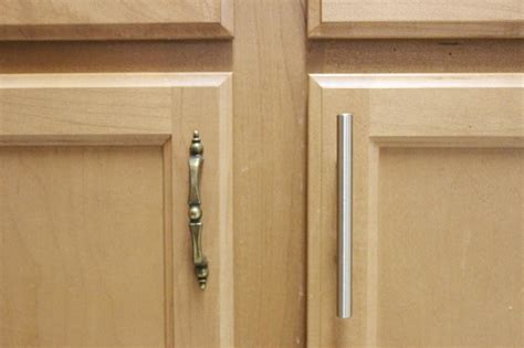 brass handles for kitchen cabinets choosing ideal handles for kitchen cabinets the homy design